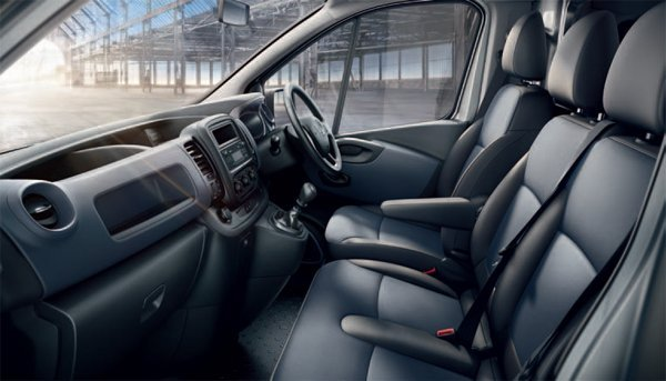 cheap prices on new vauxhall vivaro combi vans with finance leasing deals