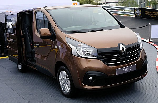 Cheap prices on new Renault Trafic vans with finance leasing deals