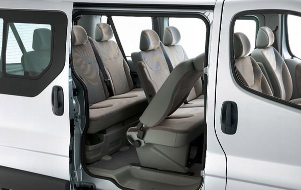new renault trafic passenger 9 seat sl27 energy dci 125ps. Black Bedroom Furniture Sets. Home Design Ideas